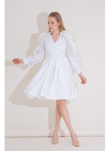 GIZIA Kol Fırfır Detaylı Kuşaklı Beyaz Poplin Elbise Beyaz
